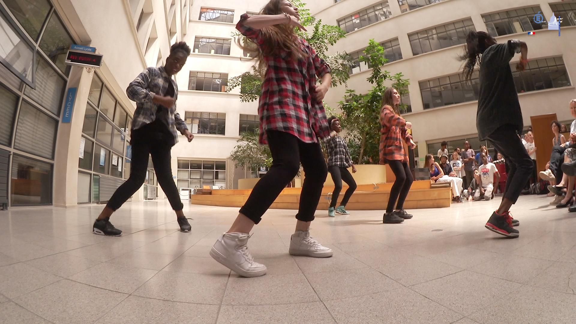 Démonstration UNSS de Hip-Hop au Rectorat